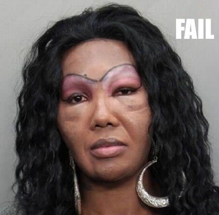 14 Hilarious Eyebrow Fails (eyebrow, hilarious fails) - ODDEE