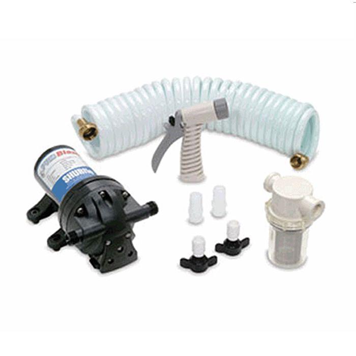 Помывочный комплект 12V  Комплект помывочный. В комплект входит: электрический самовсасывающий насос ProBlaster, компактный шланг, скрученный спирально, водяной сетчатый фильтр грубой очистки, распылитель, установочные фитинги. Насос ProBlaster предназначен для широкого применения на судах, может использоваться при высоких нагрузках, с защитой от перегрева и при работе `всухую`. Включение насоса осуществляется с помощью переключателя. Скрученный спирально компактный шланг подачи воды…