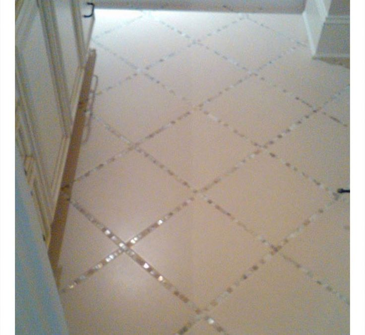 Used glass tile instead of grout. Think I'm going to do this in my basement bathroom but I'm going to try and do it with paint.16 DIY Home Decor Ideas on a Budget