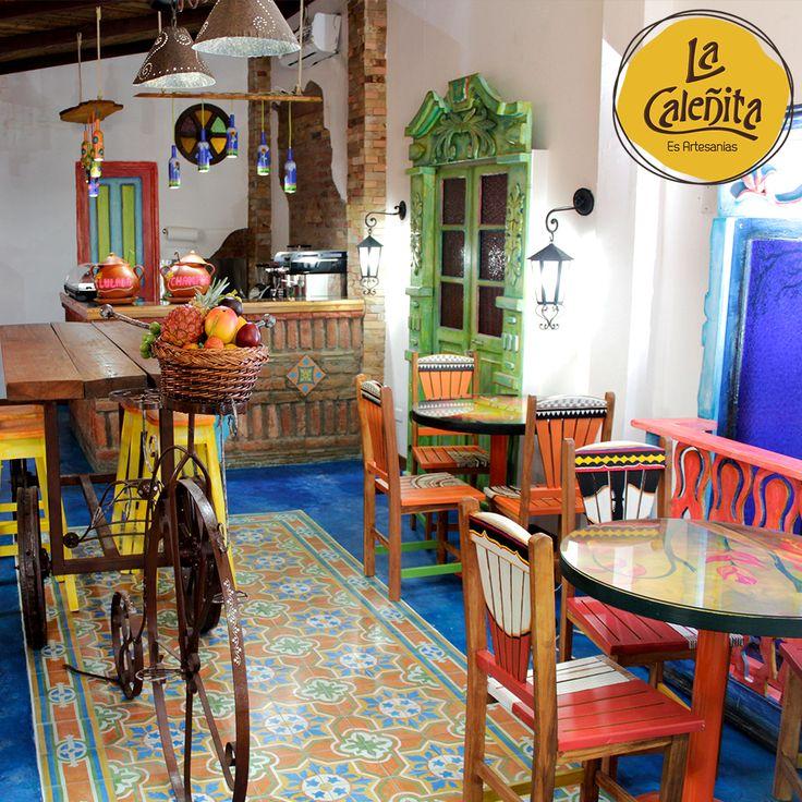 En nuestro #CafeBar, con su estilo típico colombiano, te ofrecemos un ambiente de café con bebidas y antojitos típicos. A su vez en una opción para los que buscan un ambiente propicio para la conversación y el entretenimiento, al tiempo que se pueda disfrutar de comprar nuestras artesanías. ☕💖😍 #ArtesaniasLaCaleñita #ArtesaniasDeColombia #CafeLaCaleñita
