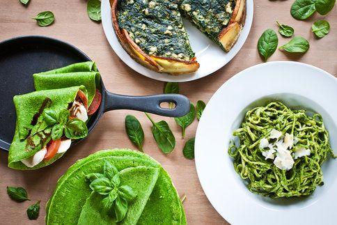 3 originální recepty ze špenátu: palačinky, slaný koláč bez mouky a pesto na těstoviny