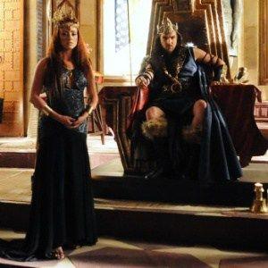 A Terra Prometida - Liberal no sexo, rei viverá relação aberta com Kalesi #Ator…