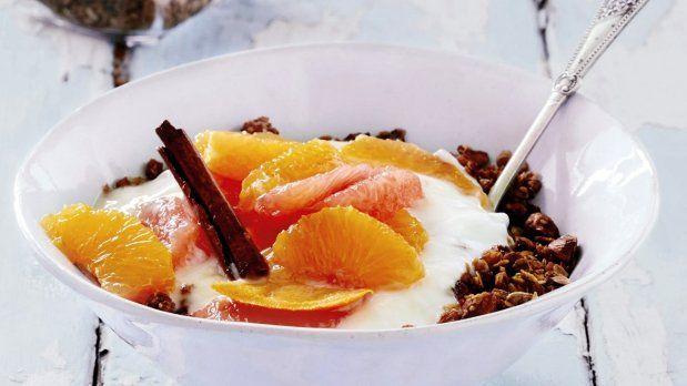 Granola, opečené křupavé müsli, poslouží jako zdravá a výživná snídaně či svačina. Nej...