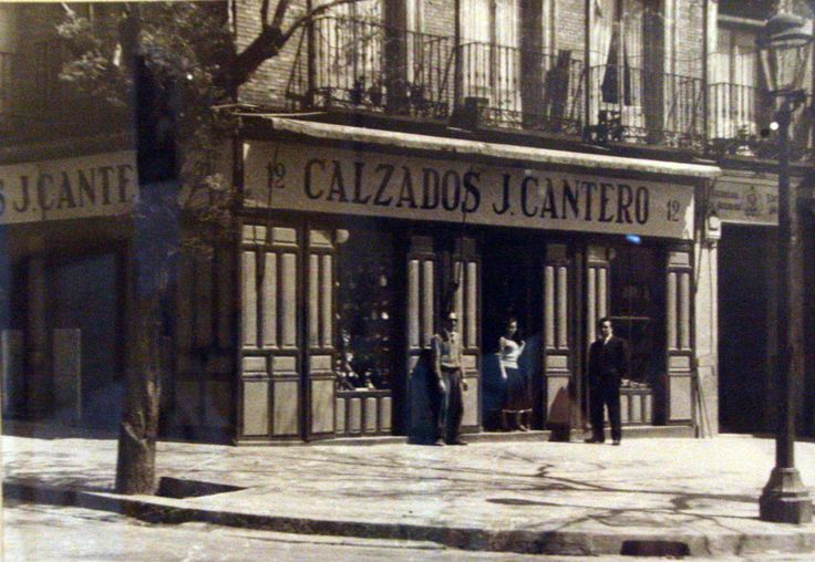 Calzado J. Cantero (1956). Plaza de Olavide, 12. Barrio de Trafalgar