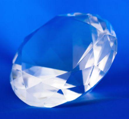 KRYSZTAŁ GÓRSKI - Właściwości i Moc Kamieni Szlachetnych w Biżuterii PASIÓN