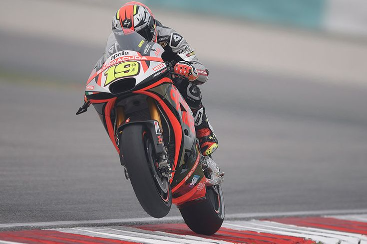 From Vroom Mag... Sixth place start for Alvaro Bautista in Sepang