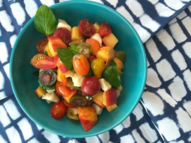 Verdelicias: Ensalada de melocotón y tomates heirloom