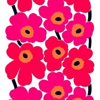 Der rote Unikko Stoff von Marimekko hat das weltberühmte Blumenmuster der finnischen Designerin Maija Isola als Motiv. Dieser Designer-Stoff aus Skandinavien wurde zwar schon 1964 entworfen, erfreut sich aber auch heute noch großer Beliebtheit.