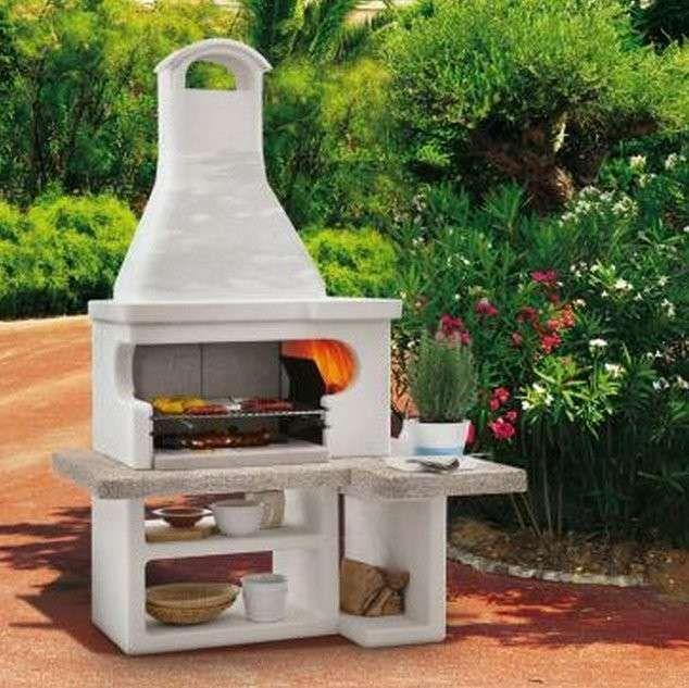 Barbecue modello Tropea 3 di Palazzetti - Barbecue prefabbricato con piano laterale, griglia in bio inox e braciere laterale.