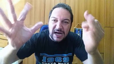 """Inter-Cagliari 1-2 lo sfogo """"molto colorito"""" di un tifoso contro Icardi e De Boer. Fa troppo ridere! Scontro con i tifosi, domani faccia a faccia tra Inter e Mauro Icardi. Striscioni allo stadio contro il bomber: """"Dispiaciuto per questo polverone"""". Si annunciano provvedimenti, forse rischia fascia c #inter #cagliari #icardi #video #tifosi"""