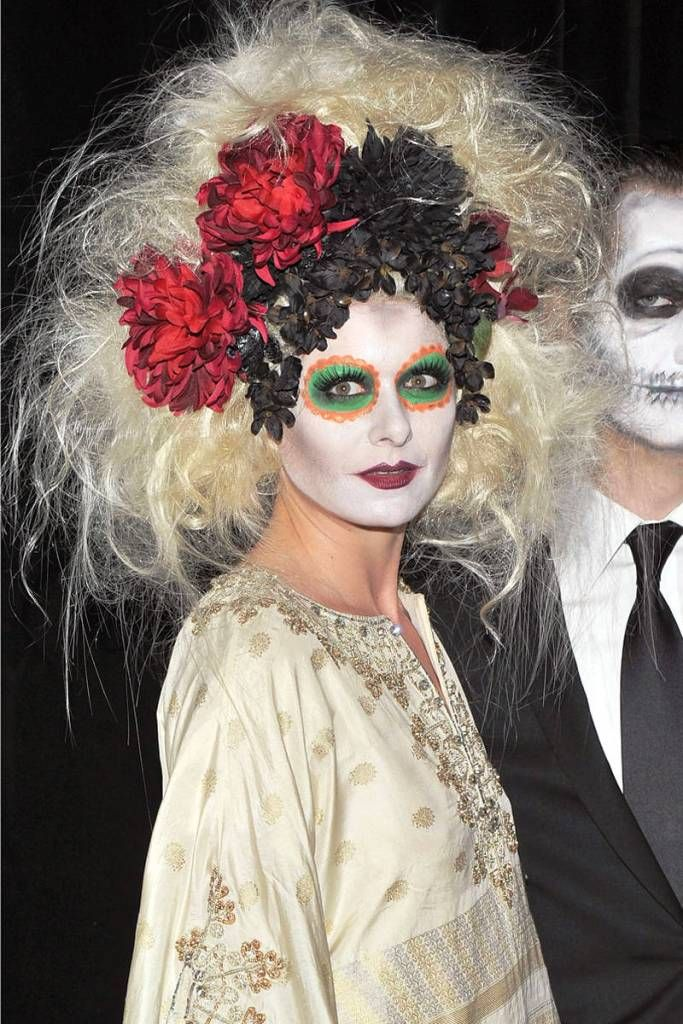 STYLEADMIRER has collected the best 20 crazy hairstyls for halloween this year . .HAVE a look & get inspired by the best of all .
