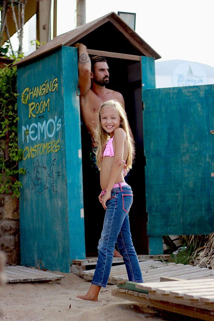 """Girls & boys,  kids jeans neon colour stitches,  white, green, pink, orange..new brand! """"KMK jeans the Original""""…1st jeans, that provide a safety funktion!))) https://www.kmk-jeans.com/"""