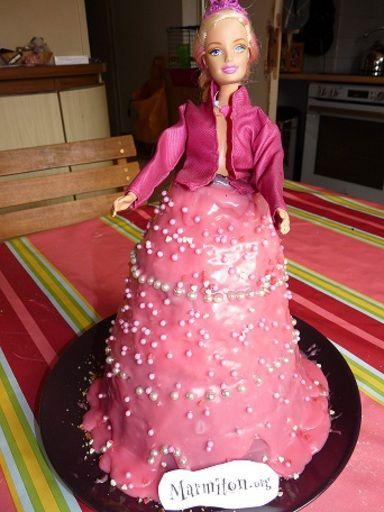 Gâteau d'anniversaire Barbie : Recette de Gâteau d'anniversaire Barbie - Marmiton