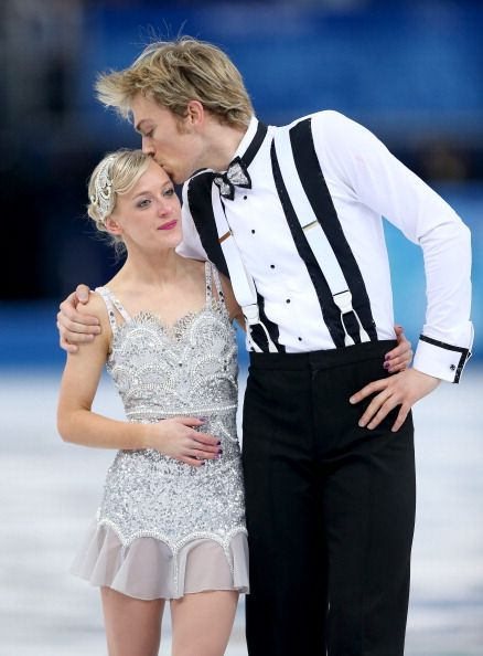 Penny Coomes and Nicholas Buckland - Short Dance - Sochi 2014