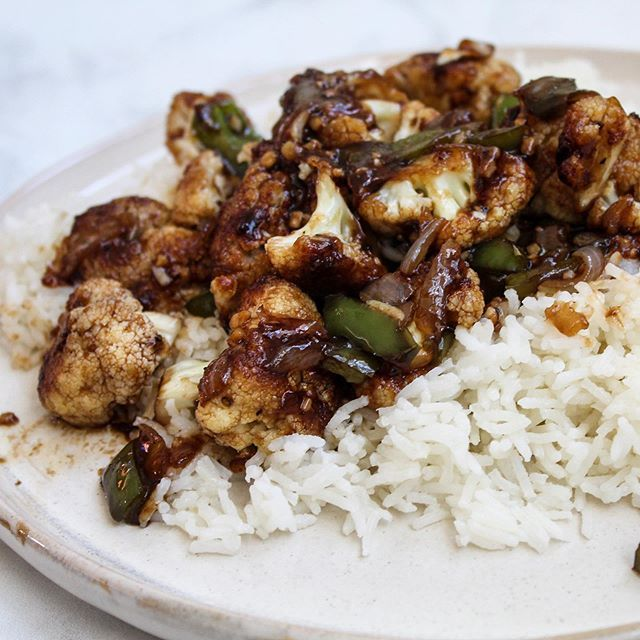 Cauli Sesame Chicken A Simple And Delicious Vegan Recipe Naturally Sweetened And Easy To Make Vegan Soul Food Delicious Vegan Recipes Food Sharing