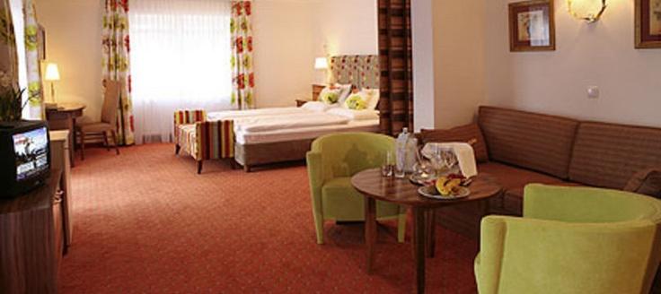 http://www.neuhaus.co.at/hotel-rooms-saalbach-austria.en.htm Your hotel room in Saalbach Hinterglemm.