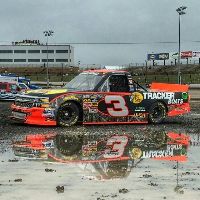 The 25 best nascar trucks ideas on pinterest nascar for Dirt track race car paint schemes