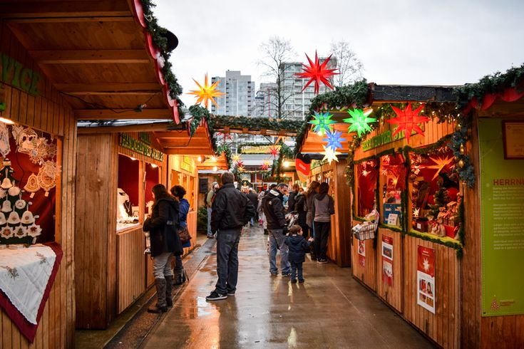 Market Stalls / Visiting the Vancouver Christmas Market / Sidetracked