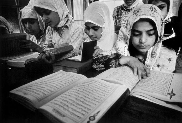 Ara Guler TURKEY. Djarbakir. (Easter TURKEY). Little Moslem girls learning the Coran, in a religious school. 1970.