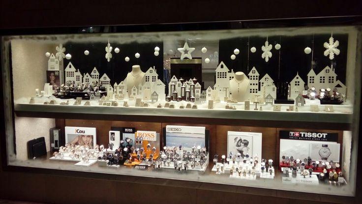 Η Χριστουγεννιάτικη βιτρίνα μας! | Κοσμηματοπωλείο Τσαλδάρης στο Χαλάνδρι από το 1958 #xmas #2017 #jewels #jewellery