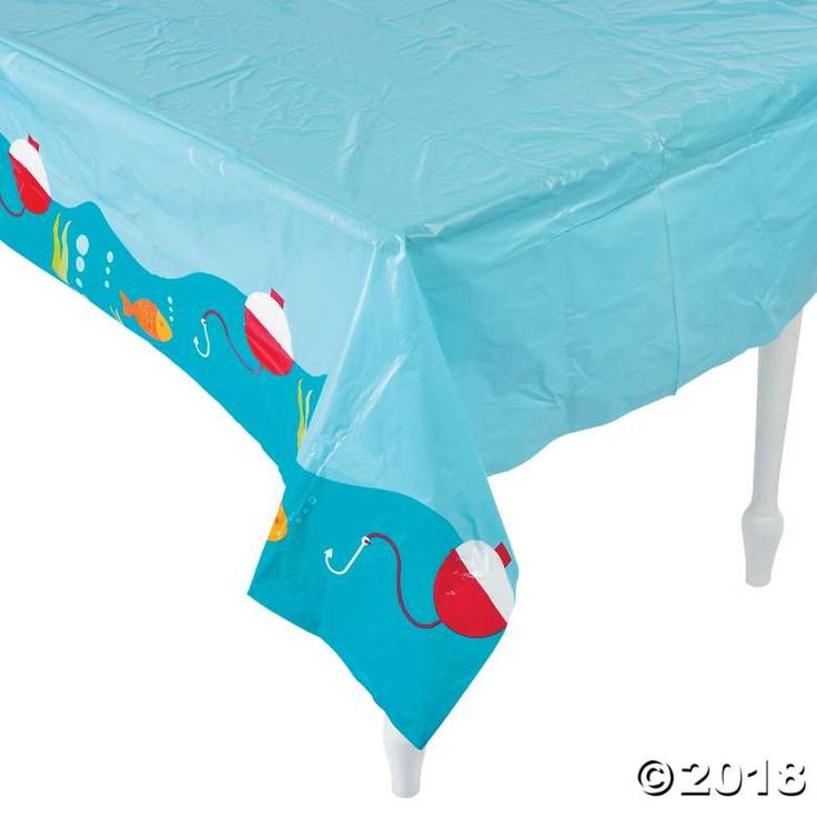 Keep the decks clean with this plastic table cover! It's a great fit for your buffet table and keeps your event mess-free! Enjoy the day without worrying ...