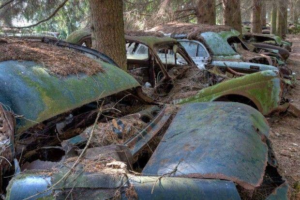 Chatillon - cimitero automobili
