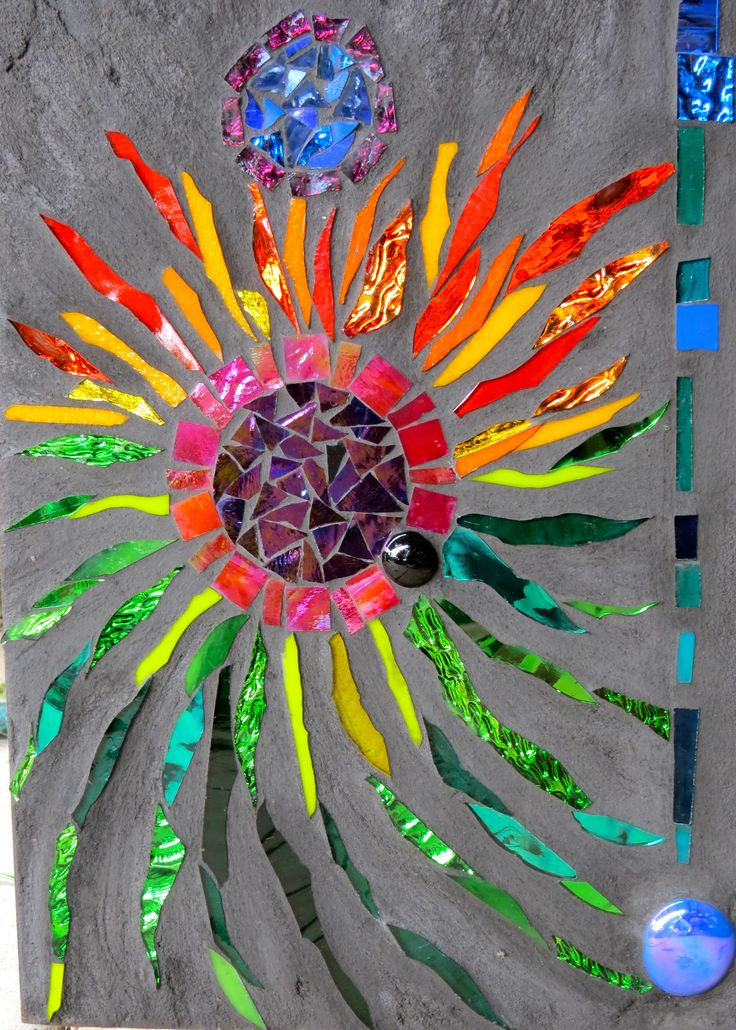 494 best images about mosaic project ideas on pinterest for Broken glass art projects
