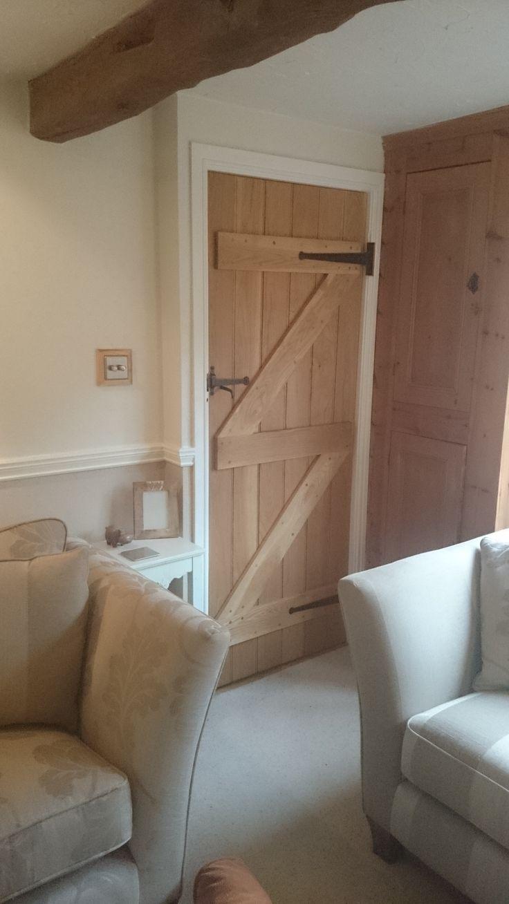 Solid Oak Ledge And Brace Door, cottage door, frame and ledge door - http://www.ukoakdoors.co.uk/oak-ledge-and-brace-door_p23637763.htm