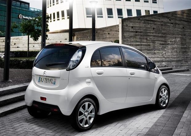 PSA Peugeot Citroën : le groupe va-t-il produire seul des véhicules électriques ?