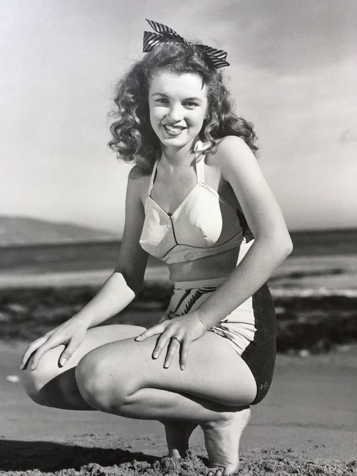 Large Marilyn Monroe Photo Age 18 Norma Jeane Baker by Andre DeDienes STAMPED
