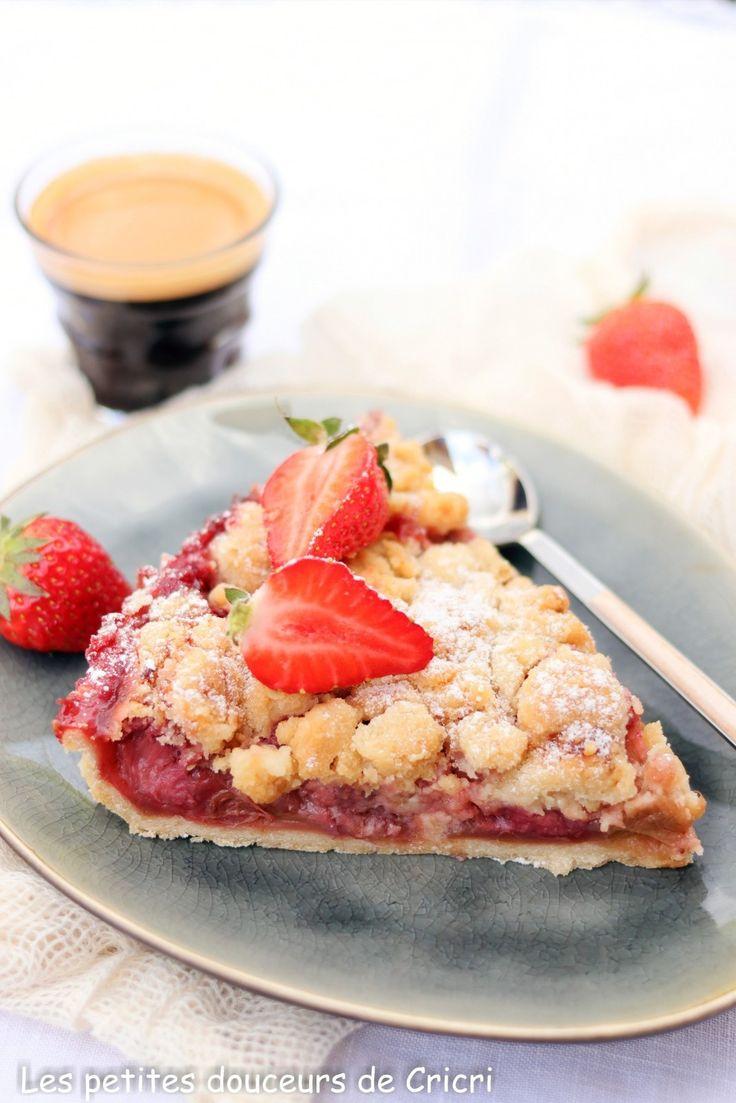 Recette Tarte aux fraises et à la rhubarbe façon crumble