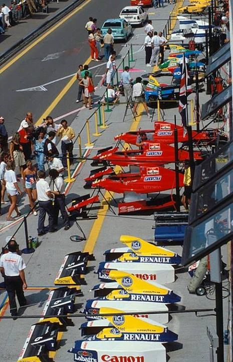 Pit lane at the Mexico Grand Prix 1990 F1