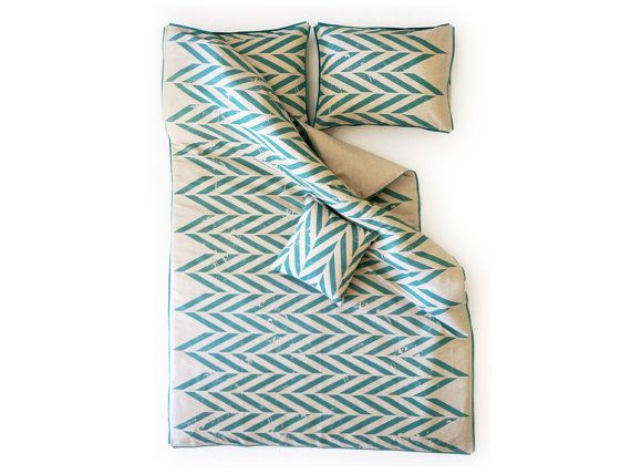 Linen duvet Queen by Lovely Home Idea. Aqua Zigzag Chevron printed linen with corduroy piping.  Shop at: www.balticdesigns.nl