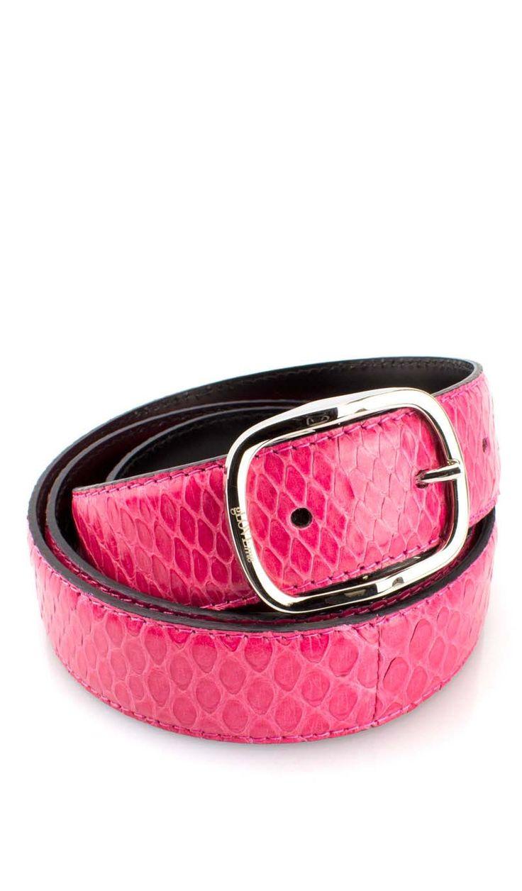 Cintura Cucita 3 CM. PITONE Corallo Cintura in autentica pelle di pitone, un look esotico che renderà glamour un abito elegante.