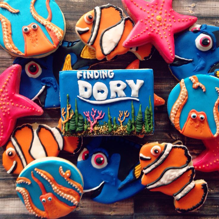 Finding dory cookies. #findingdory #sugarcookies #caceyscakery