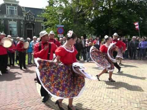 Puerto Rican at Folk Dance Parade 2, Op Roakeldais Warffum 2013