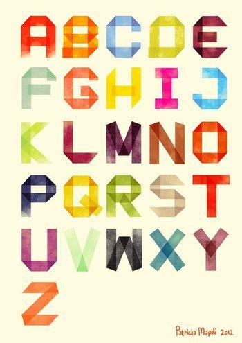 ポスター大の紙にアルファベットを描いてアートな一枚を。