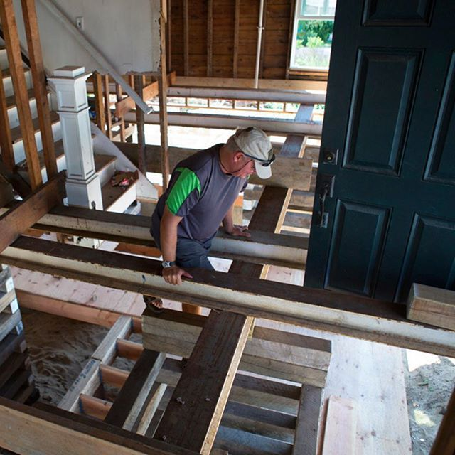 The recent letter from @fema alerting him he may be eligible for additional payment should have come as good news to William Lynch who is pictured here climbing the cribbing in his hurricane-damaged home in Baldwin New York. But William who has been driven to the point of desperation by his dealings with one government entity after another is hesitant to face more red tape. This is the most painful thing Ive ever done in my life William a 52-year-old Iraq war veteran said. Id rather go back…