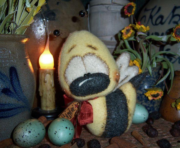 "Primitive Fuzzy Bee Flower Daisy Bug 4"" Doll Patti's Ratties Bear Artist Ornie"