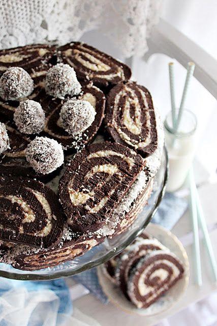 Hőség ide vagy oda, ma bekapcsoltam a sütőt. Igaz korán reggel, így volt még ideje kiillanni a melegnek a kony...