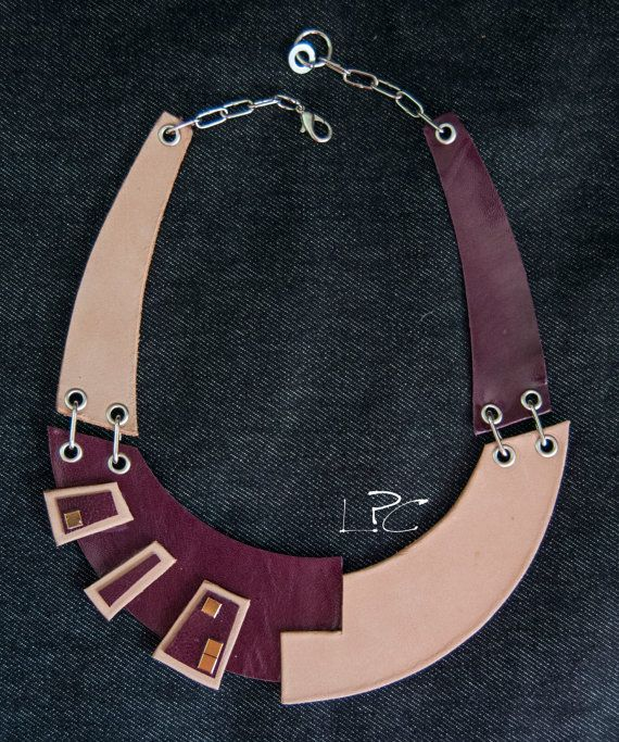 #ecodesign #handmade #recycledleather #collar #necklace by #lapezzaacolori…