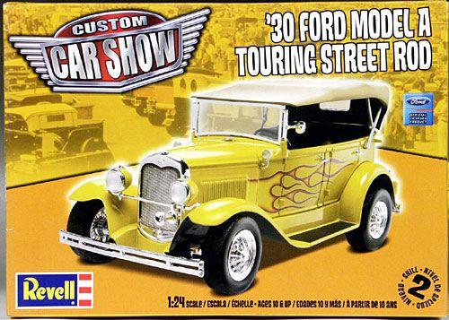 REVELL 1:24 '30 Ford Model a Touring Street Rod Niveau 2 30.99$ Achetez-le info@laboiteasurprisesdenicolas.ca