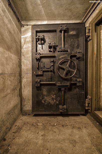Le bunker sous la gare de l'Est   NEVERENDS - Exploration Urbaine - Urban Exploration - Photographie - Urbex