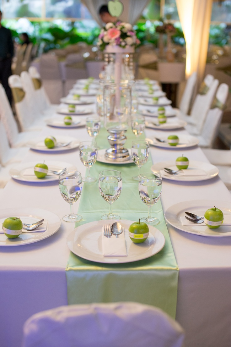 table deco...apples as favor and place card :)