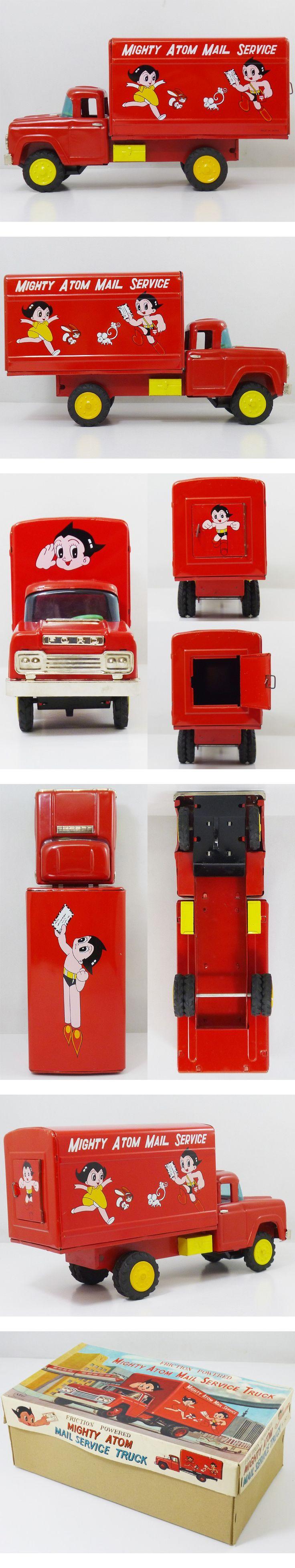 powered by auction-labo.com 今回、コレクション整理のため出品いたします。 浅草玩具製 ブリキのアトム郵便トラックです。 動力はフリクションで状態も良いです。 商品のコンディションもとてもよいので、デッドストック品だったのかもしれません。 箱もフタの側面など多少しわ等がございますが、目立った破れなどもなくこちらもコンディションは良いと思います。 ここまでの状態でしかも箱付きの物はなかなか出てこない稀少なものだと思います。 サイズ:全長約30cm 1960年代 ATD 浅草玩具 製