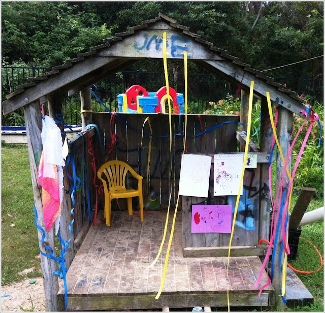 Best 25 outdoor forts ideas on pinterest backyard fort for Play fort ideas