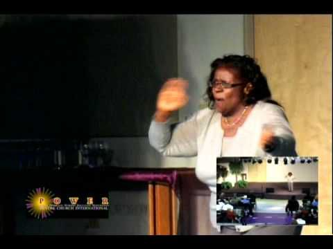 """Valerie Johnson signs VaShawn Mitchell's song """"Nobody Greater"""""""
