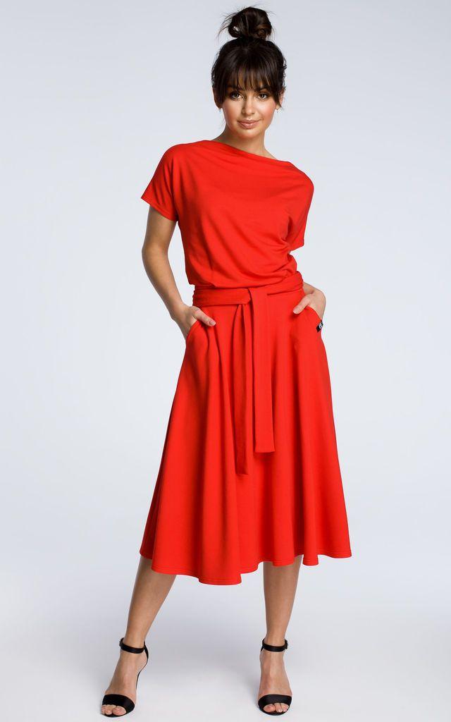 b1a84c44cfa1 Red Midi Dress With Loose Fitting Top By MOE | rzeczy dla gruszki ...