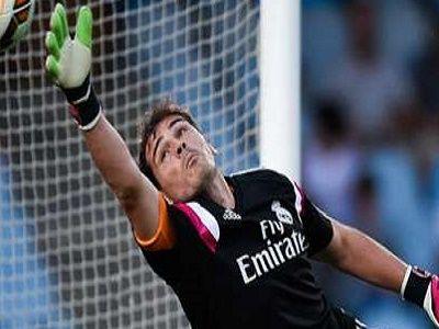 Berita Bola Iker Casillas Meninggalkan Real Madrid Iker Casillas tertarik untuk resolusi cepat untuk transfernya dari Real Madrid ke Porto, dengan perjalanan klub Spanyol itu menuju Australia untuk pertadingan persahabatan. 34 tahun telah menawarkan gaji tahunan € 2,5 juta (£ 1.8m) oleh pakaian Portugis, dengan awal kontrak dua tahun ditetapkan untuk memasukkan pilihan untuk musim ketiga.