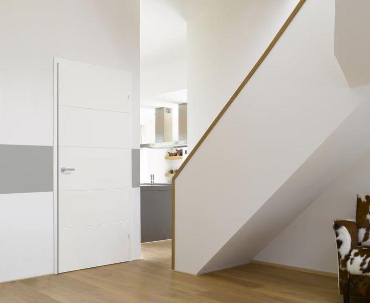 #Strakke #houten Svedex #binnendeur met #frase #lijnen.